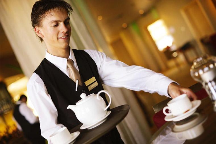 Підробітка офіціантом для студента