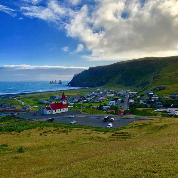 Місто Vik в Ісландії