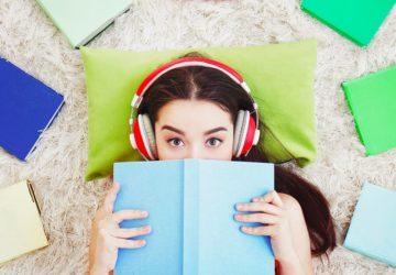 Читати на папері чи слухати аудіо?