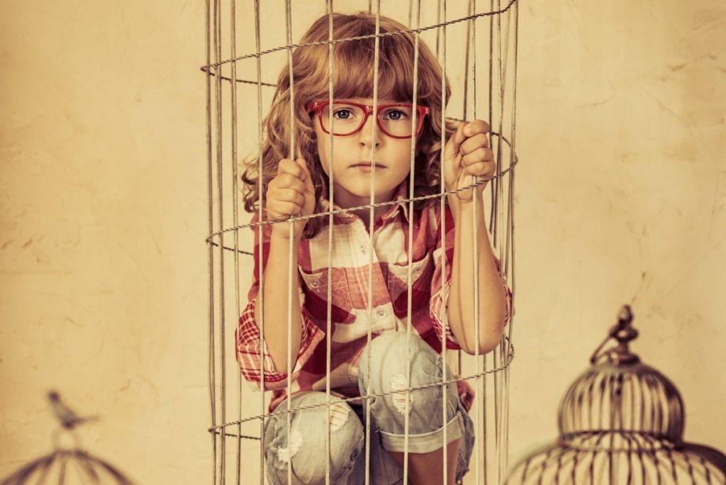 Гіперопіка або гіперпротекція над дітьми