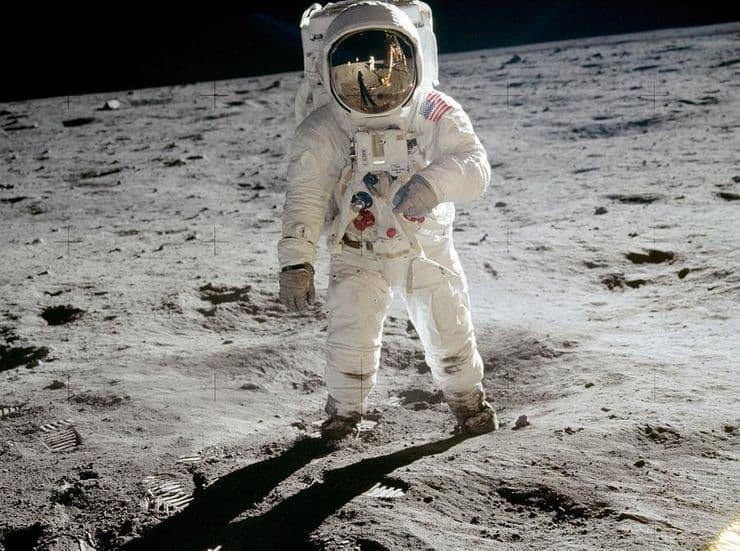 Як виглядають тіні на Місяці