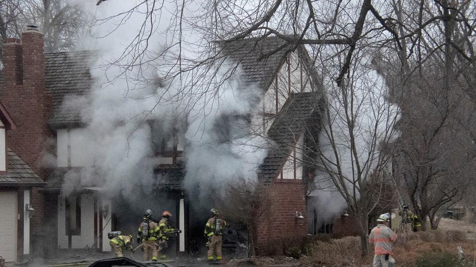 Палаючий будинок