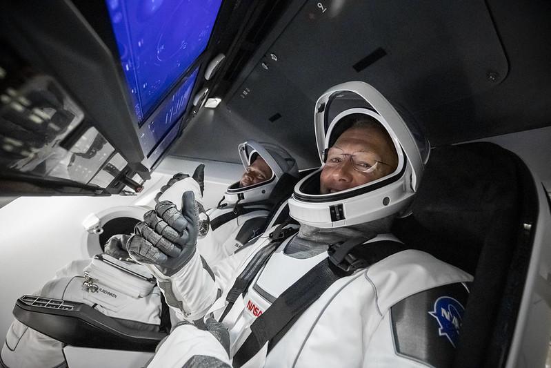Пілотована місія Space X до МКС