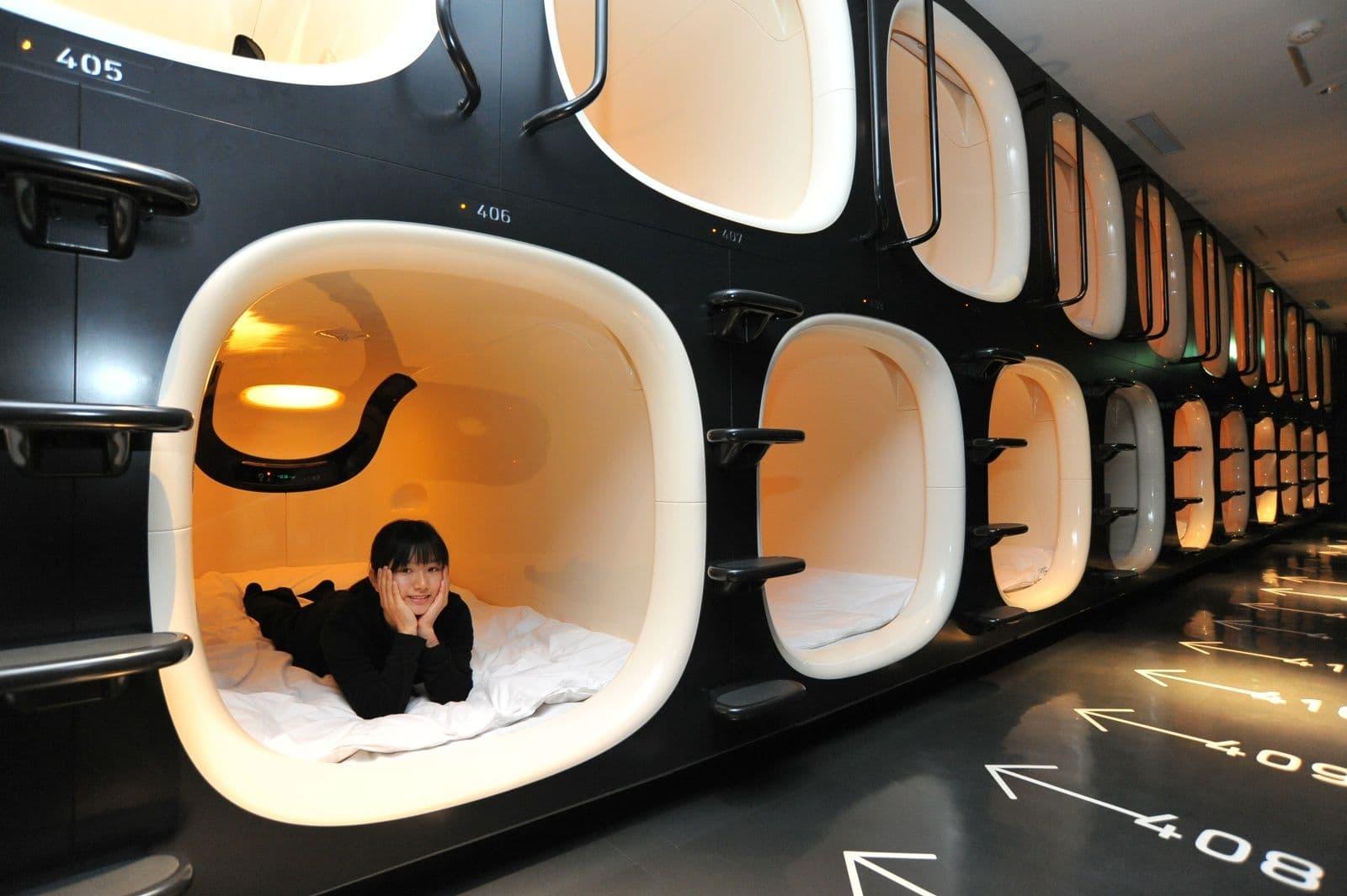 Капсульні готелі в Японії