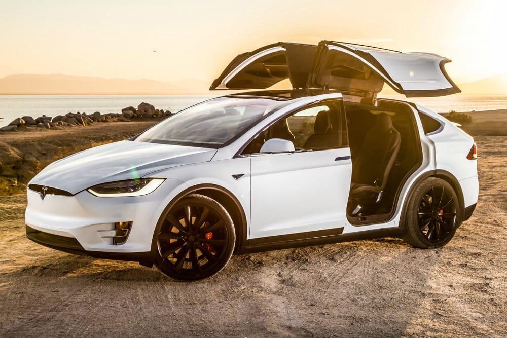 Фото Тесла Model X