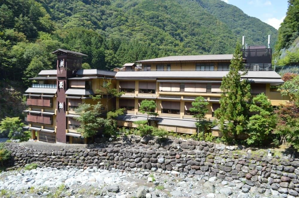 Nishiyama Onsen Keiunkan - найстаріший готель в світі