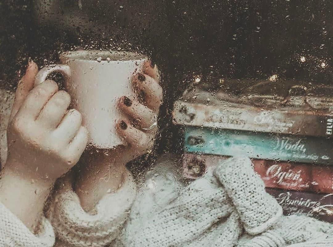 Слухати шум дощу за вікном