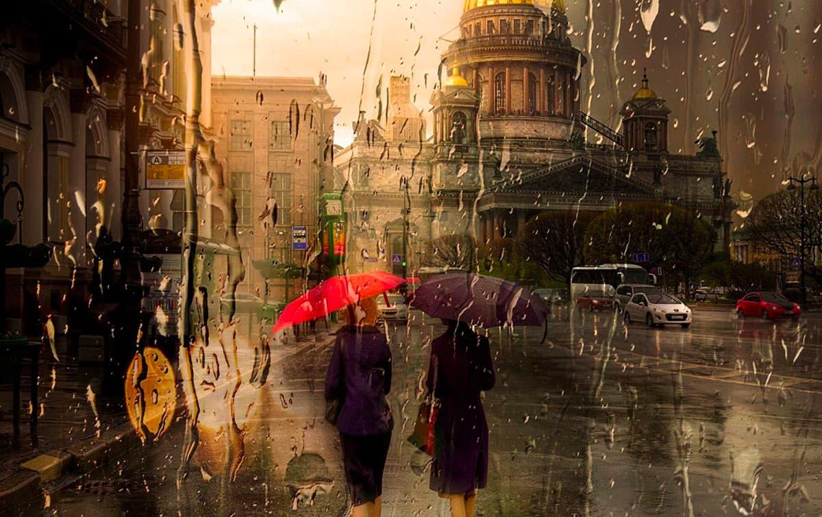 Дощ на вулицях міста