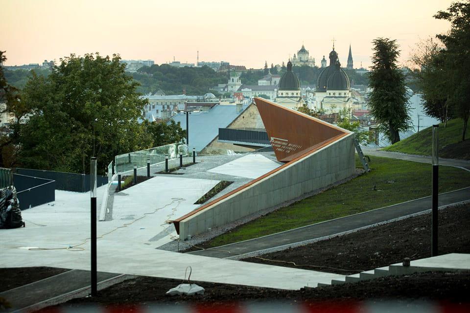 Меморіал героїв Небесної сотні у Львові