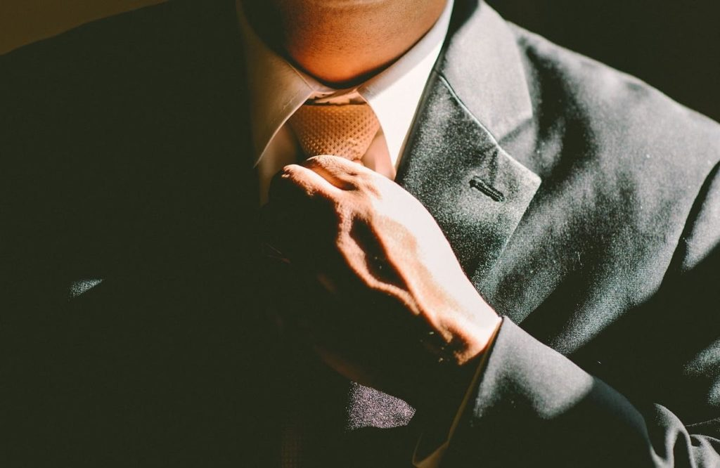 Як правильно завязувати краватку