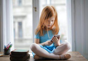 Коли давати дитині смартфон