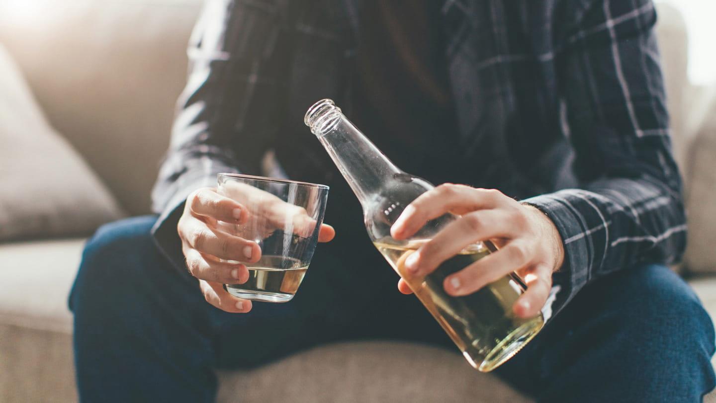 Залежність від алкоголю - чим він небезпечний?