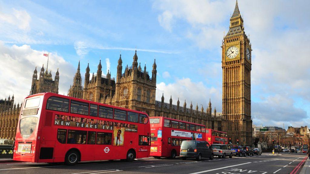 Список речей, які взяти в автобусний тур